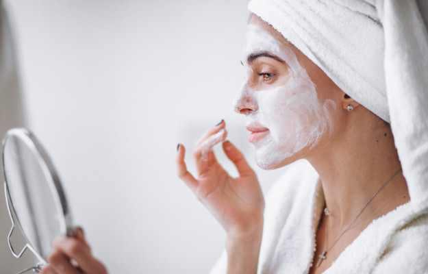 चेहरे पर दही लगाने के फायदे