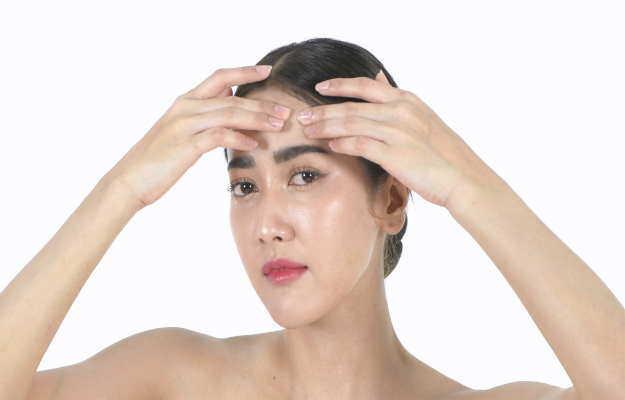 बारिश के मौसम में त्वचा का ख्याल रखने के लिए अपनाएं ये घरेलू नुस्खे - Home Remedies to Cure Your Monsoon Beauty Issues
