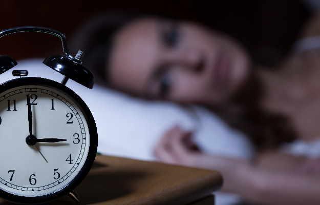 आपके नाजुक से दिल के लिए घातक हो सकता है कम नींद लेना